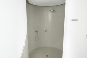 Dusche im Wellnessbereich im Keller<br />