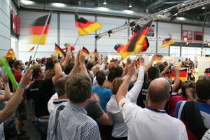 Großer Jubel beim Count-Down an der Station des Deutschen Teilnehmers in Fliesenlegerhandwerk