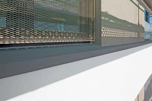 """Das """"Capapor""""-Fassadenprofil ist schlagregendicht in das Dämmsystem eingebaut"""