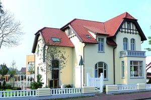 Straßenseite der Villa Kösters in Löningen nach Abschluss der Sanierungs- und Restaurierungsarbeiten<br /><br />