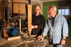 Haben wir nicht getestet: die 100 Jahre alte Bandsäge in der Tischlerei Ströer<br />