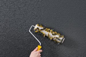 Effektmischung StoSiliciumcarbid F54 mit der Trichterpistole in die noch nasse Farbe einblasen