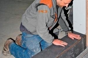 Die Mitarbeiter der Firma Fliesen Eder verlegten im Kletterzentrum Fliesen in den Farbnuancen Beige und Plumb. Farblich passend wählten sie den Fugenmörtel PCI Nanofug in Zementgrau und Pergamon