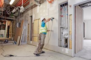 Insbesondere die im Krankenhausbau geltenden strengen Anforderungen an den Schall- und Brandschutz verlangen nach leistungsfähigen Konstruktionen und einer fachgerechten Ausführung Fotos: Saint-Gobain Rigips