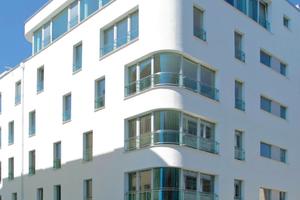 Beim diesem Ultra-Niedrigenergiehaus in München sorgt ein WDVS aus Polyurethan für niedrige Heizkosten