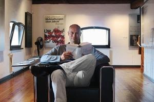 Thomas Wieckhorst, verantwortlicher Redakteur, in dem zum Uwe Johnson Literaturhaus umgebauten Getreidespeicher in Klütz<br />Kontakt: 05241/801040, thomas.wieckhorst@bauverlag.de<br />