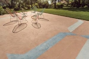 Die Terrasse ist mit Arbeiten des Künstlers Nick Oberthaler gestaltet<br />