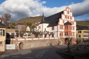 Nach Abschluss der Umbauarbeiten ist nicht nur die Rohbauruine links des historischen Hilchenhauses in Lorch verschwunden, der geschichtsträchtige Renaissancebau wurde auch mit enorm hohem handwerklichem Aufwand originalgetreu restauriert<br />
