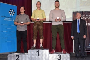 Auf dem Siegerpodest stehen bei den Beton- und Stahlbetonbauern Timo Schön (Gold), Jonas Heinen(Silber) und Kai Wibbelt (Bronze)