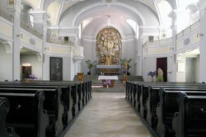Blick ins Kirchenschiff vor Beginn der Sanierungs- und Anbauarbeiten<br />