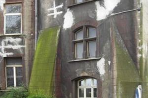 Der schlechte Zustand des Bauwerks erforderte den Einsatz nahezu aller Remmers-Systeme für die Fassadensanierung ...<br />