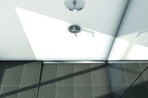 Bodengleiche Duschen sind komfortabel und lassen das Bad großzügiger wirkenQuelle: TECE