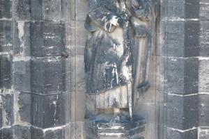 Sandsteinskulptur Jacobus der Ältere vor und ...<br />