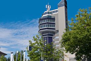 Und so soll das künftige Hotel als Nullenergie-Hochhaus einmal aussehen – mit einer Fassade aus 155 Verbundfenstern mit Fünffach-Verglasung von Glasermeister Martin T. Lacher