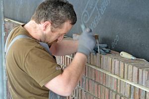 Der Mauermörtel dient auch zur Fugengestaltung