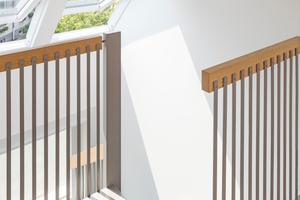 """Die über dem Treppenhaus positionierte """"Systemlösung Duo"""" – zwei direkt nebeneinanderliegende, automatische Dachfenster – sorgen für viel Tageslicht und frische Luft"""