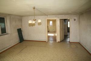 Blick in ein Zimmer vor Beginn der Sanierungs- und Umbauarbeiten<br />
