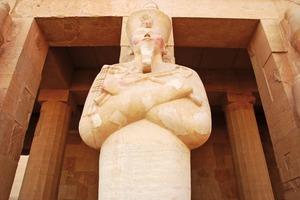 Eine restaurierte Skulptur der Pharaonin Hatschepsut