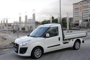 Der Doblo Work up vereint Fahrkomfort und kompakte Abmessungen mit ordentlich Ladekapazität