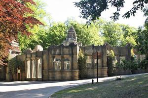 """Ende Mai dieses Jahres wurde im Osnabrücker Zoo der """"Angkor Wat"""" genannte Affentempel eröffnet<br />"""
