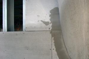 Vor Ort wurden die Zementbauplatten bei Bedarf zugeschnitten<br />