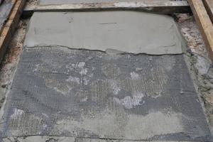 Rissbandage zur Sicherung des Deckenmosaiks