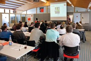 Weiterbildung in Theorie und Praxis: Laut einer Baumit-Umfrage sind 65 Prozent der Handwerksbetriebe bereit, zusätzlich in die Qualifizierung ihrer Mitarbeiter zu investierenFotos: Baumit