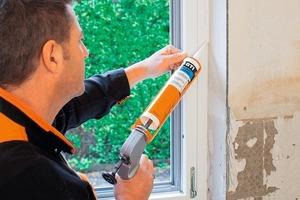 Neu beim 4W-Sanierungssystem ist der Fensterdichtstoff für die raumseitige Abdichtung<br />Fotos: BTI Befestigungstechnik<br />