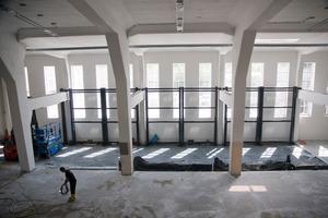 Montage des Parksystems in der großen Halle<br />