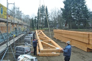 Kurze Bauzeit durch Vorfertigung: Die Montage der Dachkonstruktion für einen SB-Markt in Berlin nahm lediglich drei Tage in Anspruch
