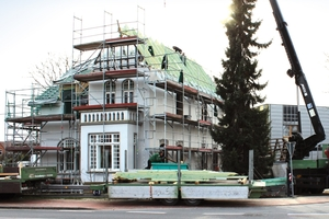 Montage des neuen Dachstuhls<br />