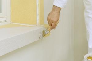 Endanstrich mit Acryl-Fassadenfarbe