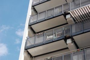 Die neuen Balkone liegen jeweils auf vier bis sechs Ankern auf<br />Foto: Anne Fingerling<br />