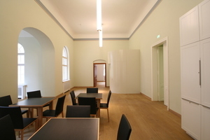 Der Leseraum im Obergeschoss mit Auszug rechts hinten<br />