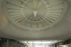 Die große Turbine auf der Baustelle nach Abschluss der Trockenbauarbeiten