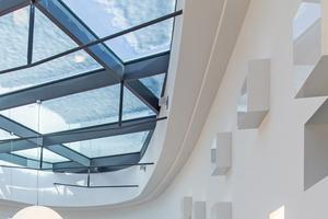 "Detail Deckenanschluss an das Glasdach<span class=""bildnachweis"">Fotos: G+K Trockenbau / pix123 fotografie frankfurt</span>"