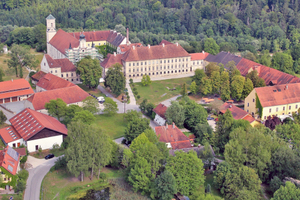 Luftbild der ehemaligen Klosteranlage von Raitenhaslach (Blick von Nordwesten) Foto: Wolfgang Hopfgartner