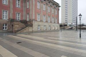Abrisskandidat Nr. 2: Das Hotel zwischen Schloss und Schlossgarten. Peter Kulka hätte es gerne auch in Zukunft<br />