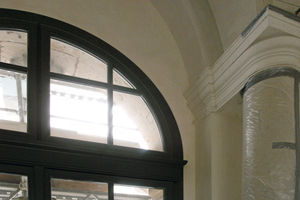 Links: … und vor Beginn der Sanierungsarbeiten