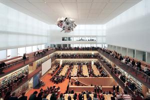 Mitte März in Berlin: Der zentrale Lesesaal wird unter anderem durch Wolfgang Thierse, den Vizepräsidenten des Bundestages, eröffnet