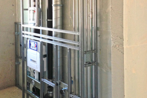 Raumhohes Vorwand-installationssystem an einer Installationswand aus massiven GipswandbauplattenFotos: VG-Orth
