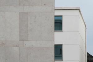 Details der Natursteinfassade