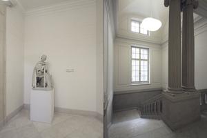 Skulptur und Treppe im Altbau