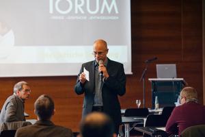 bauhandwerk Chefredakteur Thomas Wieckhorst moderiert das Forum in Hamburg<br />