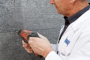 Die Dübelung wird gemäß DIN 1055-4 durch Neusystem und Altfassade im tragenden Untergrund verankert<br />