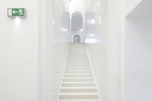 Linke der zwei Tunnelschleusen vom Foyer ins Alte Foyer hinab<br />