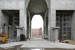 Blick zurück auf das ewig unvollendet bleiben wollende Projekt der Schinkel Akademie (hier die Fassadensimulation)