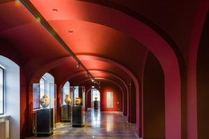 Die Farbfassung der Ausstellungskabinette folgte im Museum dem Konzept des Büros Homann Güner Blum – Visuelle Kommunikation<br />Fotos: Knauf / Stephan Klonk