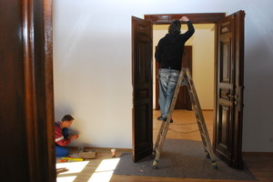 Restaurierte Tür mit neuem Anstrich