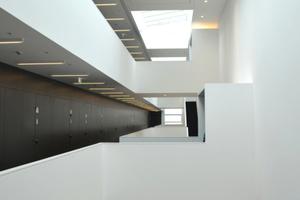 Blick ins Innere des neuen Multimediahauses in Karlsruhe<br />
